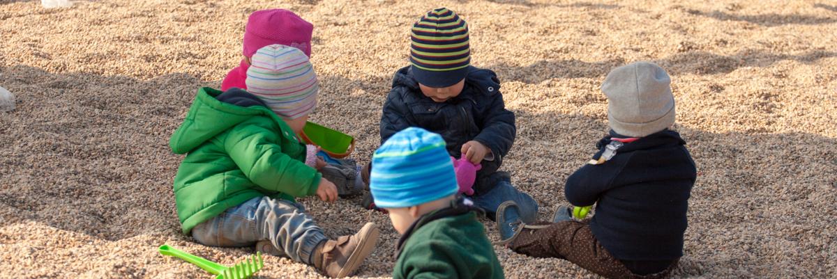 Spielen auf dem Spielplatz